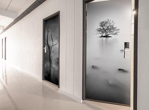 wizualizacja naklejki na drzwi